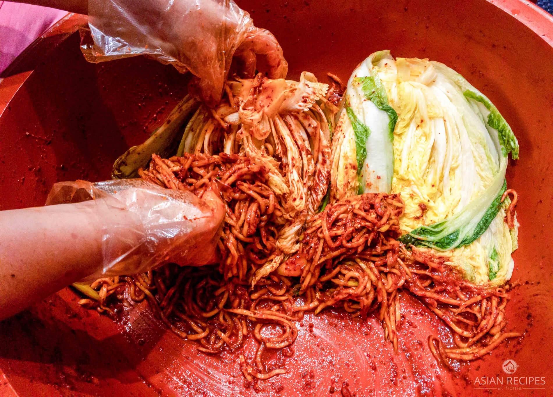 Make Korean traditional (winter) Korean kimchi