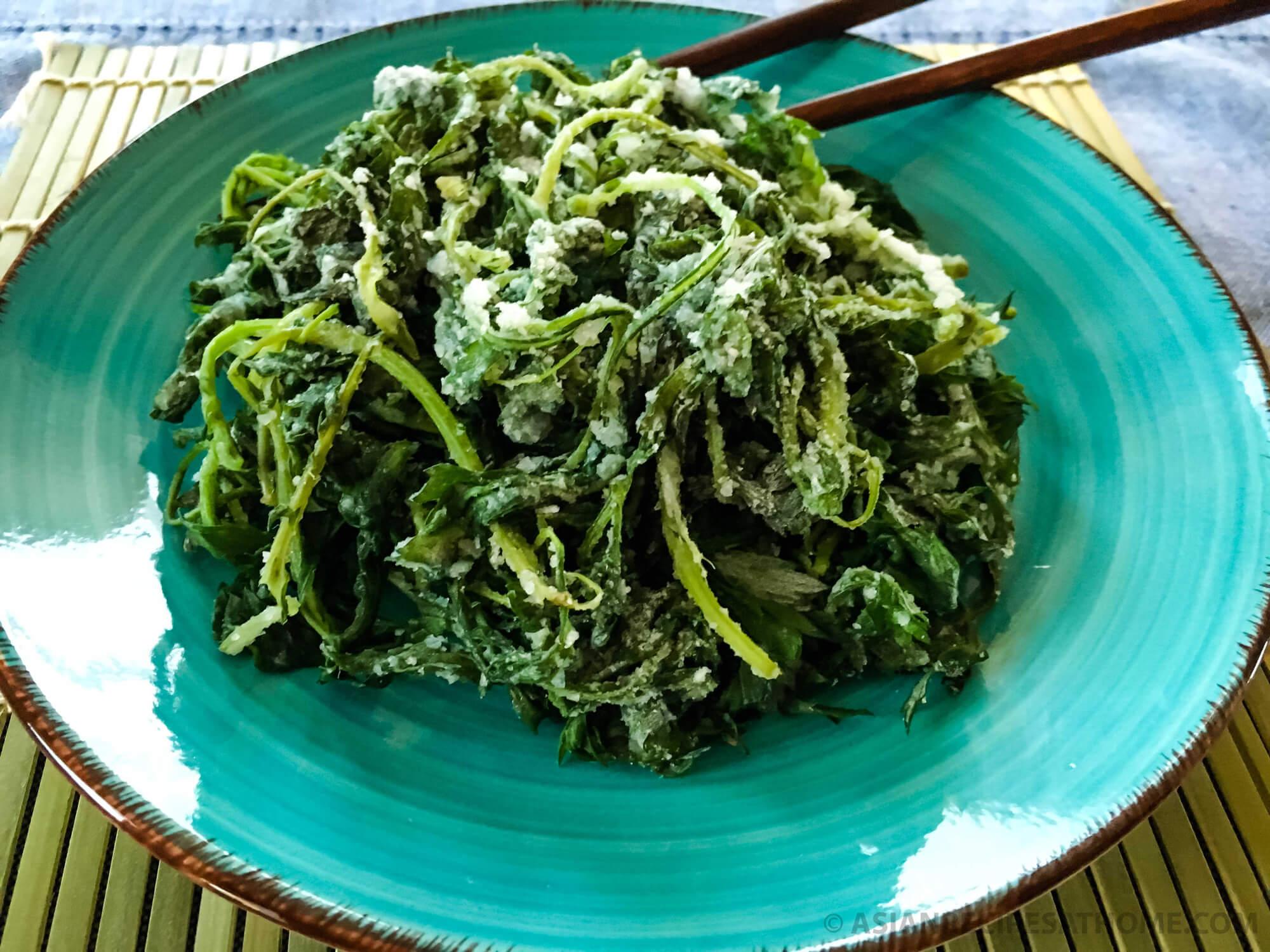 Korean wild mugwort greens (ssuk) ready to eat.