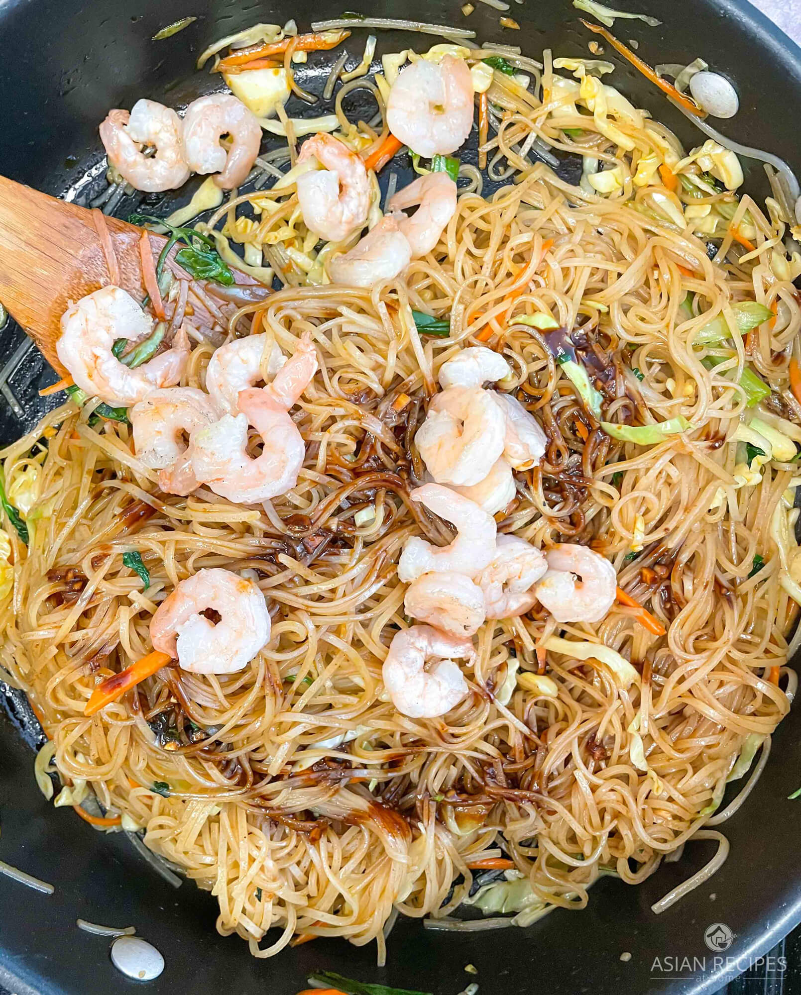 Add in the shrimp and the gochujang spicy stir-fried noodles.