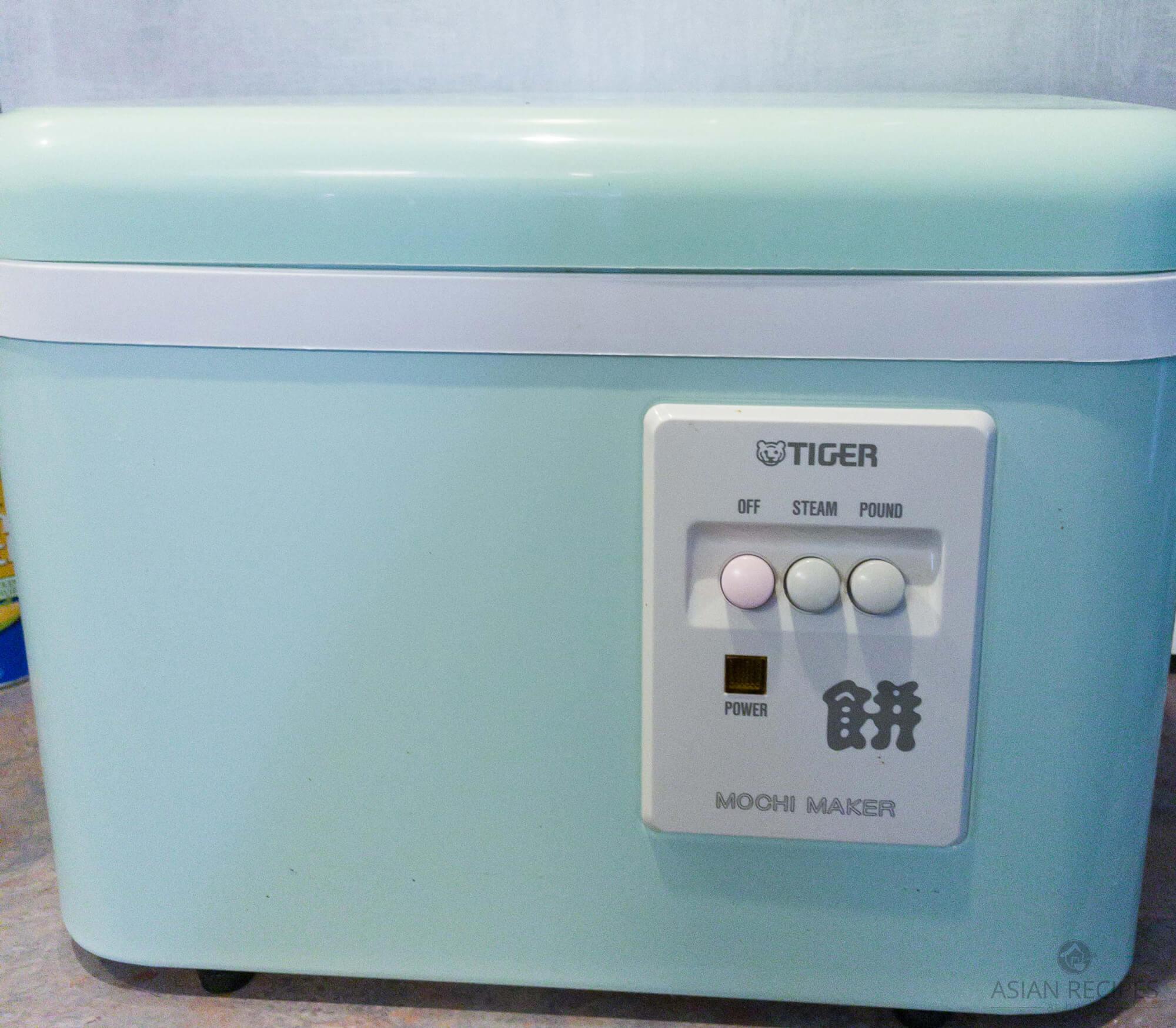 rice cake/mochi maker machine by Tiger