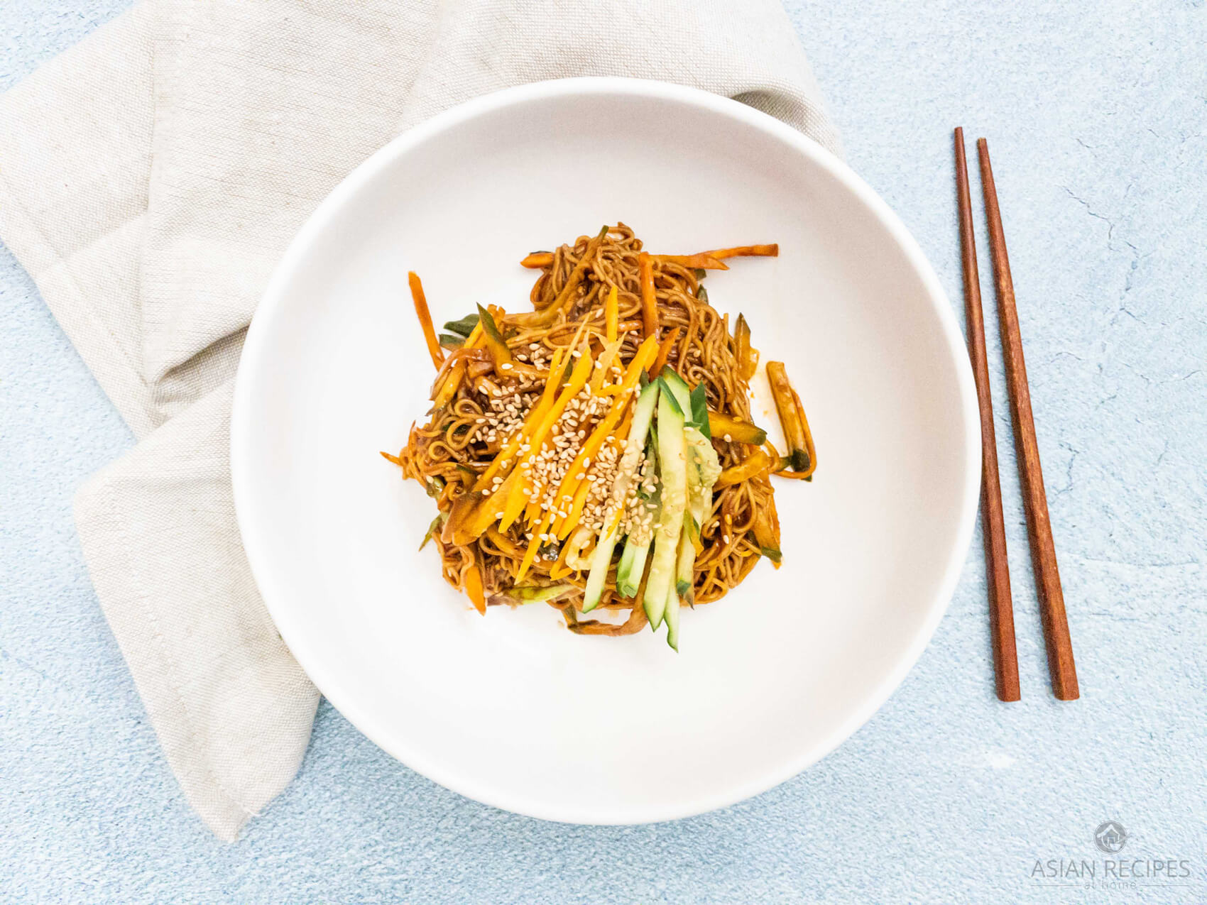 Noodles covered in a spicy gochujang sauce is the perfect cold noodle bowl to have during Summer!