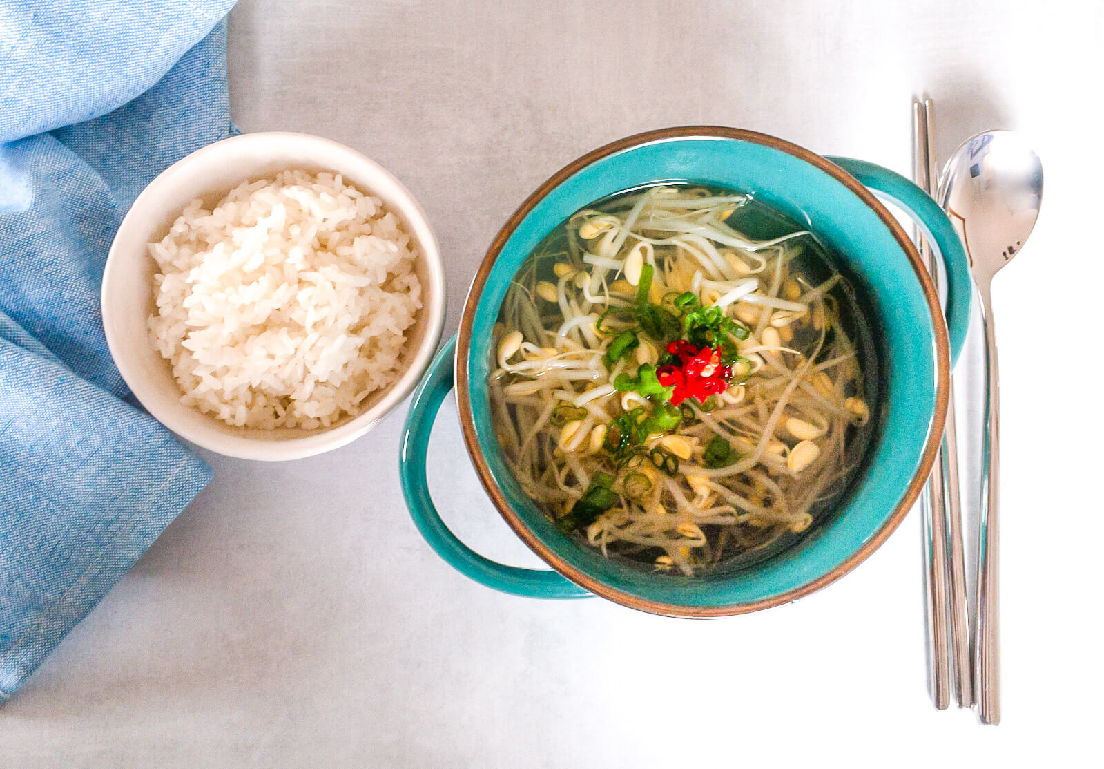 This spicy Korean Soybean Sprouts (Kongnamul) Stew recipe is so easy to make.